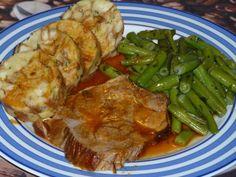 Omas  Fleisch aus der Kachel, ein schmackhaftes Rezept aus der Kategorie Schmoren. Bewertungen: 52. Durchschnitt: Ø 4,5.
