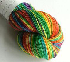 Hand dyed 80/20% superwash merino/bamboo sock/fingering yarn. Bow & Back, 6 colour short change variegated rainbow. Shawl knitting, crochet. by FeltFusion on Etsy