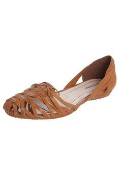 32 melhores imagens de sandalia no Pinterest em 2018   Shoe boots ... fc27aa33f4