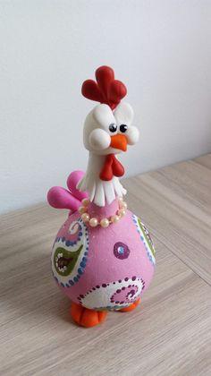 Paper Mache Crafts, Clay Crafts, Diy And Crafts, Decorative Gourds, Hand Painted Gourds, Chicken Crafts, Chicken Art, Easter Art, Easter Crafts