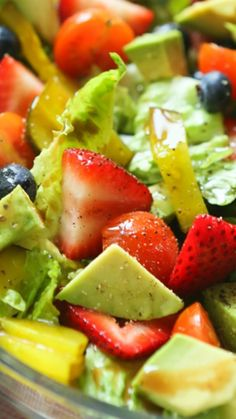 Avocado Berry Salad with Balsamic Vinaigrette ~ This salad is perfect solo OR as a side dish. SO fresh and perfect!