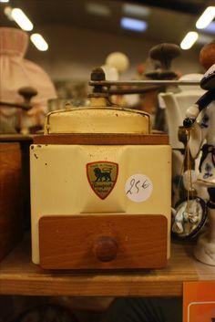 Moulin à café #MoulinPeugeot #brocante  Chez Breizh Debarras, brocante dans les Cotes d'Armor Le Moulin