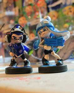 Another duo shot of both the Inklings!  #inklings #splatoon #amiibo #customamiibo #inklingamiibo #squidkid #inkling #nintendo #nintendofanart #splatoonfanart #woomy
