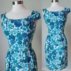Bombshell Cotton Pique Tulip Print Hourglass Dress with Bow / Dress / Dress / Cotton Dress / Wiggle Dress / Medium Vintage Summer Dresses, 50s Dresses, Cotton Dresses, Vintage Outfits, Vintage Fashion, Hourglass Dress, Wiggle Dress, Dress With Bow, Bombshells
