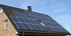 Evlerin Çatısı Elektrik Üretecek Temiz enerji için projeler üreten SolarCity, evlerin çatısını güneş panelleriyle kaplamayı hedefliyor. Bildiğimiz panellerin aksine hem estetik hem de fazla yer kaplamayan bu paneller güneşli günlerde elektrik üretecek.  Tesla Motors ve SpaceX'in kurucusu Elon Musk bu zamana kadar pek çok başarılı.. http://www.enerjicihaber.com/news.php?id=1609