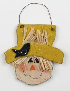 Fall Wooden Scarecrow 7701 - Scarecrow Head with Crow (change the colors and it's a snowman)Freaking amazing skull Tag: Very good, skullScarecrow - idea for face on back of snowman Fall Wood Crafts, Halloween Wood Crafts, Autumn Crafts, Wooden Crafts, Thanksgiving Crafts, Fall Halloween, Holiday Crafts, Wood Scarecrow, Scarecrow Face