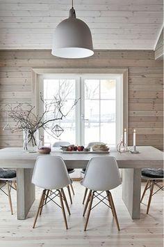 décoration scandinave, intérieur en bois, salle à manger nordique