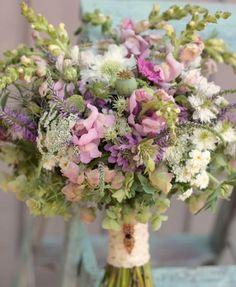 June Wedding Flowers, Floral Wedding, Bouquet Champetre, Bride Bouquets, Bridesmaid Bouquet, Floral Arrangements, Beautiful Flowers, Marie, Wedding Decorations