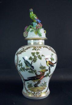 grosse prunkvolle  Deckelvase - Fürstenberg 1840 - Papagei Insekten ect - 56cm | eBay
