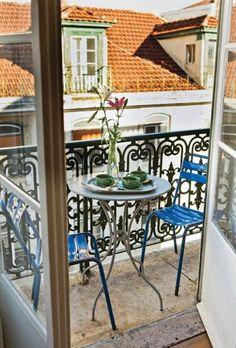 Breakfast on the roof terrace #Lisboa #Portugal