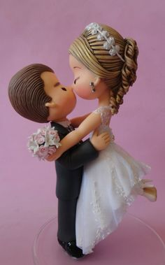 Cake topper bride and groom Polymer Clay Cake, Polymer Clay Dolls, Polymer Clay Projects, Clay Crafts, Fondant Figures, Clay Figures, Fondant Toppers, Fondant Cakes, Wedding Cake Toppers