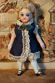 Ca. 1880s 4-1/4 in. French or French-type Mignonette - Barndust #dollshopsunited