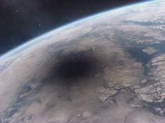 Aşa arată o eclipsă solară observată din spaţiu., 18 fotografii cu adevărat remarcabile care trebuie să fie văzute de toată lumea - (Page 5)