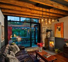 Decorate & design with the best warm and cozy living room ideas. Snuggle up, light a fire, and relax as you look through my top list cozy living room ideas Nest Design, House Design, Modern Country, Rustic Contemporary, Modern Rustic, Rustic Style, Cozy Living Rooms, Living Room Decor, Salons Cosy