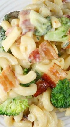 Bacon and Broccoli Macaroni and Cheese ~ It's creamy and perfect.  It's pure comfort food indeed!