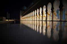 Pillars Reflection- Grand Mosque / Sheikh Zayed Mosque in Abu Dhabi - www.lionofAllah.com