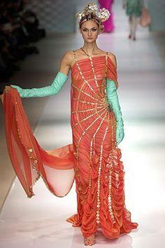Jean Paul Gaultier Spring 2003 Couture Fashion Show - _Nautile_