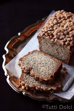 crumb-topped banana bread