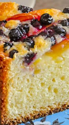 Blueberry Peach Sour Cream Cake ~ Blueberry Peach Sour Cream Cake - a marriage of great seasonal flavors! A summer into fall recipe taking advantage of seasonal fruits when they are both available. Peach Pound Cakes, Peach Cake, Blueberry Cake, Blueberry Recipes, Baking Recipes, Cake Recipes, Dessert Recipes, Food Cakes, Cupcake Cakes