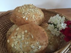 Backen mit Christina … | Flockenweckerl Hamburger, Food And Drink, Bread, Bread Baking, Kochen, Oatmeal, Thermomix, Cooking Recipes, Food And Drinks