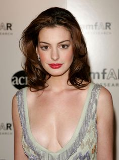 Anne Hathaway pictures and photos Anne Hathaway, Anne Jacqueline Hathaway, Beautiful Celebrities, Beautiful Actresses, Annette Bening, Female Actresses, Hollywood Stars, Woman Crush, Hollywood Actresses