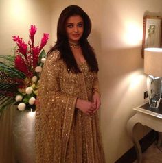 Aishwarya Rai Bachchan looked gorgeous in a heavy gold coloured Sabyasachi anarkali as she inaugurated a jewellery store in Dubai recently.