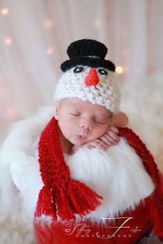 Christmas SUPER SALE Snowman beanie w/SCARF  Sizes nb, 1-3mos, 3-6mos Choose color: red or green