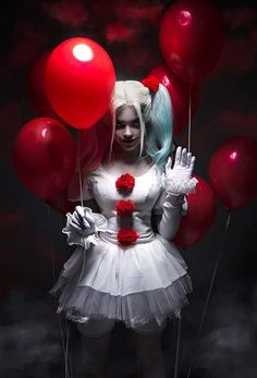 Cosplay Costume Christina Fink- Pennywise/Harley Quinn Crossover - More memes, funny videos and pics on Harley Quinn Et Le Joker, Harley Quinn Cosplay, Halloween Kostüm, Halloween Cosplay, Halloween Costumes, Halloween Makeup, Cosplay Anime, Cosplay Girls, Maquillage Harley Quinn