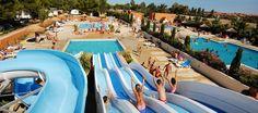Tussen de Middellandse zee en de Pyreneeën ligt het mooie stadje Roussillon waar de camping Les Tropiques is gevestigd. De camping ligt of een loop afstand van het strand en beschikt over een eigen toegang. Je kunt er veel sport- en recreatieve activiteiten doen voor tijdens het hoogseizoen. Het heeft ook een prachtig zwemparadijs met maar liefst 5 zwembaden en 4 glijbanen voor jong tot oud. Dit is dus weer een top camping voor recreatie en sport!