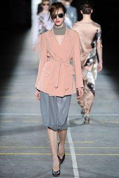 Dries Van Noten Fall 2009 Ready-to-Wear Fashion Show