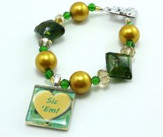 Green and Gold Team Spirit Bracelet from Etsy // #Baylor #sicem