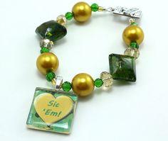 Green and Gold Team Spirit Bracelet from Etsy // #Baylor #sicem