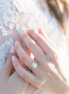 18 IDEAS FOR YOUR WEDDING DAY MANI - Way more chic than the traditional French manicure
