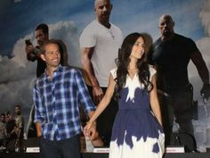 I think it's really cute that apparently they'd even hold hands when they're not portraying Mia and Brian. (from the looks of it they're reaching for one another's hand). #FF #FastFive