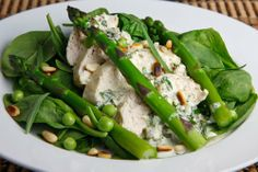 Chicken and Asparagus Salad with Creamy Tarragon Dressing-just swap out the dressing for something without the yogurt and mayo.maybe a balsamic vinegarette? Asparagus Salad, Asparagus Recipe, Chicken Asparagus, Easy Dinner Recipes, New Recipes, Healthy Recipes, Kraft Recipes, Yummy Recipes, Favorite Recipes
