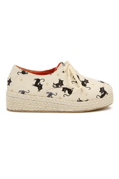 Shop ROMWE Cats Print Self-tie Shoelace Apricot Sneakers at ROMWE, discover more fashion styles online. Crazy Cat Lady, Crazy Cats, Tie Shoelaces, Latest Street Fashion, Kawaii Cute, Romwe, Fairy Tales, Fashion Shoes, Shoes Heels