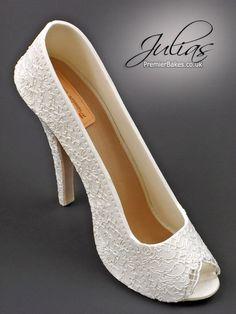 the foam studio high heel shoe kit for gumpaste fondant