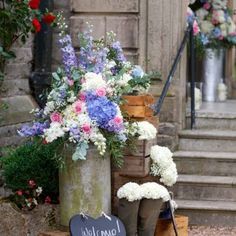 Wedding flowers at Callow Hall, Ashbourne, Derbyshire