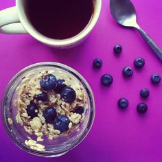 3. Overnight Blueberry Maple Oatmeal #healthy #recipes #college http://greatist.com/eat/healthy-dorm-room-recipes