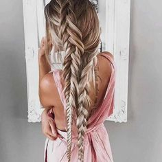 5 Hairstyles That Look Way Better on Dirty Hair - Convenile Summer Hairstyles, Messy Hairstyles, Pretty Hairstyles, Head Band, Glamorous Hair, Braids For Black Hair, Stylish Hair, Hair Day, Gorgeous Hair