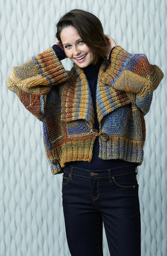 Womens Cardigan in Katia Azteca - Discover more Patterns by Katia at LoveCrafts. From knitting & crochet yarn and patterns to embroidery & cross stitch supplies! Crochet Hoodie, Crochet Cardigan, Crochet Lace, Christmas Knitting Patterns, Knitting Patterns Free, Free Knitting, Knitwear Fashion, Knit Fashion, Yarn Brands
