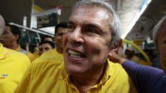 """Luis Castañeda: ¿Mintió en su hoja de vida para postular a Lima  Cuando la ambición desborda los limites de la buena conducta. AGP y LCL """"Doctores Causas"""" sin honores ;)"""