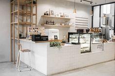 Bakery Shop Design, Coffee Shop Interior Design, Restaurant Interior Design, Bakery Shop Interior, Cozy Coffee Shop, Small Coffee Shop, Deco Restaurant, Modern Restaurant, Small Cafe Design