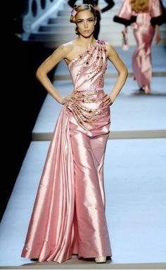 John Galliano: Raquel Zimmermann in Galliano for Christian Dior, Paris Couture Satin, Dior Couture, Couture Fashion, Runway Fashion, Fashion Show, Fashion Design, Fashion Moda, Christian Dior, Pink Fashion