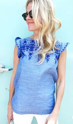 #summer #outfits Blue Embroidered Top + White Skinny Jeans // Shop this exact outfit in the link