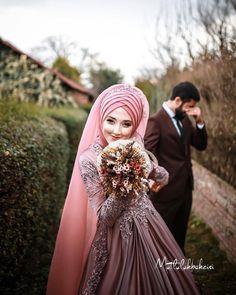 Couple Wedding Dress, Wedding Couples, Wedding Images, Wedding Pics, Wedding Ideas, Wedding Goals, Wedding Attire, Muslim Wedding Dresses, Bridesmaid Dresses