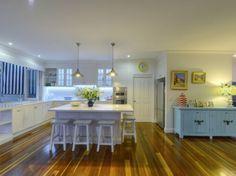 Stunning Sunday: Hamptons Home Hamptons Kitchen, Hamptons Decor, Hamptons House, The Hamptons, Interior Design Themes, Interior Decorating, Love Home, Bedroom Themes, Coastal Decor