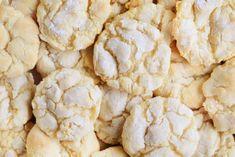 Classic Ooey Gooey Butter Cake Recipe - i am baker Roll Cookies, Sweet Cookies, Lemon Cookies, Yummy Cookies, Cookies Et Biscuits, Sugar Cookies, Gooey Cookies, Caramel Cookies, Chip Cookies