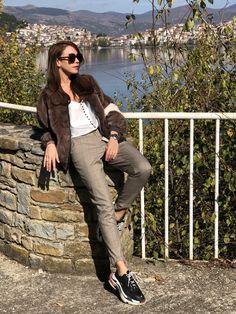 Pants, Fashion, Trouser Pants, Moda, Fashion Styles, Women's Pants, Women Pants, Fashion Illustrations, Trousers