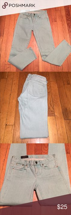 J Crew Mint Toothpick Jeans Skinny/straight leg with traditional 5 pocket styling. Pre owned. J. Crew Jeans Skinny